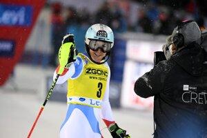 Švajčiarka Wendy Holdener po jazde 2. kola prvého slalomu novej sezóny Svetového pohára v alpskom lyžovaní žien vo fínskom Levi.