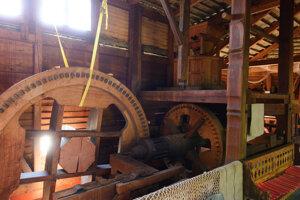 Spolok Vodný mlyn vyhlásil v lete verejnú zbierku na opravu poškodených častí Lodného mlyna v Kolárove.
