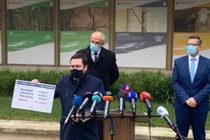 Masívne podozrenia z tunelovania štátneho podniku Agrokomplex začínajú naberať nový rozmerov.