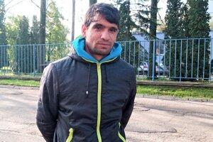 Adam Oračko po od odchode z detského domova zažil rôzne životné peripetie vrátane života na ulici a drog.