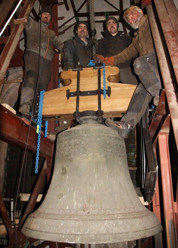 Partia opravárov zvonov