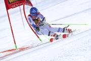 Petra Vlhová počas paralelného obrovského slalomu v Sestriere.