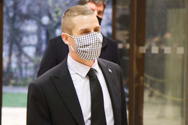 Štátny tajomník ministerstva zahraničných vecí Martin Klus pri príchode na zasadnutie krízového štábu.