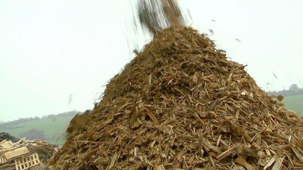 Štiepkovanie drevného odpadu je jedným z dobrým spôsobom recyklácie tohto materiálu.