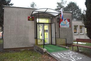Súkromná škola čelí podozreniu z podvodu, polícia stále koná.