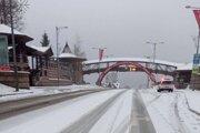 Na Donovaloch sneží.