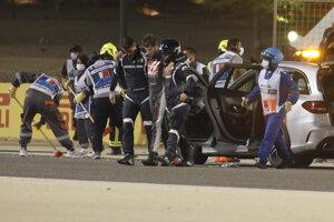 Romain Grosjean po nehode.