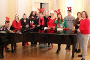 Herci Starého divadla pre divákov pripravili vianočné prekvapenie.