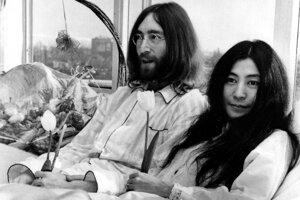 John Lennon a Yoko Ono v Amsterdame v roku 1969.