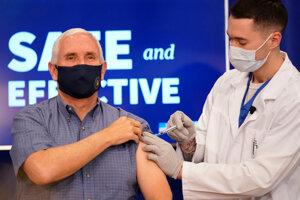 Viceprezident Mike Pence sa nechal zaočkovať.