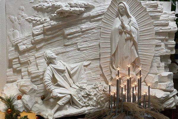 Odliatok modlitebného zátišia Guadalupskej Panny Márie z kancelárie pátra Kušníra.