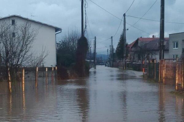 Záplavy v Dlhom nad Cirochou.