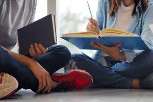Tí, čo budú chcieť študovať o rok vo Veľkej  Británii, budú musieť siahnuť hlboko do peňaženiek.