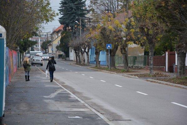 Samospráva vTopoľčanoch aj vnovom roku plánuje pokračovať vopravách ciest achodníkov.