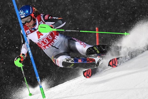 Slovenská lyžiarka Petra Vlhová počas 1. kola slalomu v rakúskom Flachau.