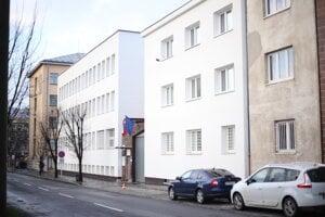 Ústav pre výkon väzby a Ústav na výkon trestu odňatia slobody v Prešove.