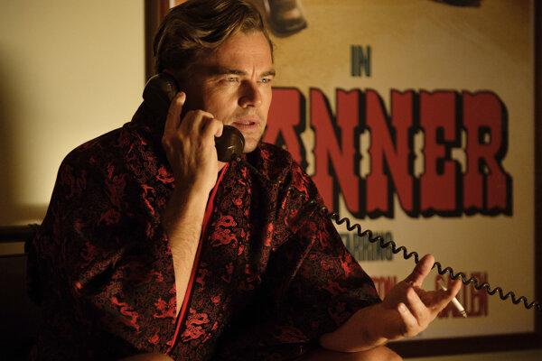 Leonardo Dicaprio vo filme Quentina Tarantina Vtedy v Hollywoode, za ktorý bol minulý rok nominovaný na Oscara.