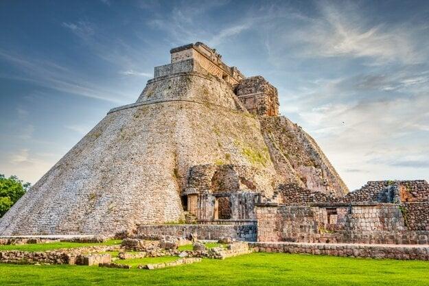 Pyramína kúzelníka v Uxmal