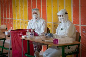 Mesto Liptovský Mikuláš hľadá zdravotníkov na víkendové testovanie.