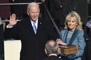 Joe Biden zložil prezidentskú prísahu.