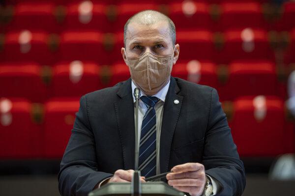 Peter Kovařík.