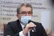 Pedseda výboru NR SR pre pôdohospodárstvo a životné prostredie Jaroslav Karahuta (Sme rodina).