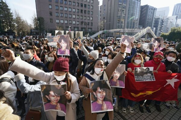 Demonštrácia na podporu premiérky Aun Schan Su Ťij a ďalších štátnych predstaviteľov.
