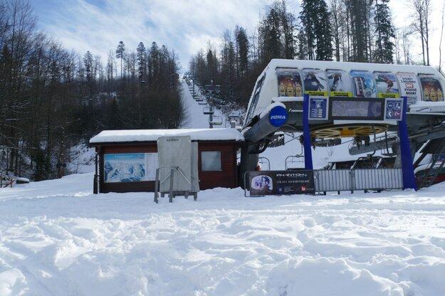 Zatvorené lyžiarske stredisko Snowparadise Veľká Rača.