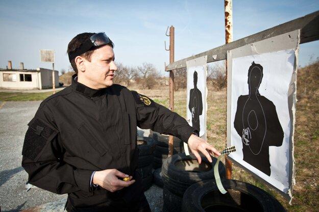 Minister vnútra SR Daniel Lipšic pri príležitosti osláv 20. výročia Útvaru osobitného určenia. Bratislava, 25. marec 2011.