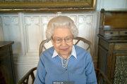 Kráľovná Alžbeta počas vlaňajšieho videohovoru.
