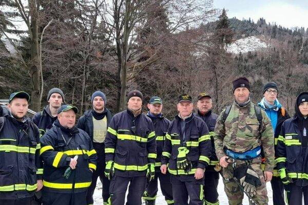 Dobrovoľní hasiči zValče mali spátraním po nezvestnej osobe vôbec prvú skúsenosť.