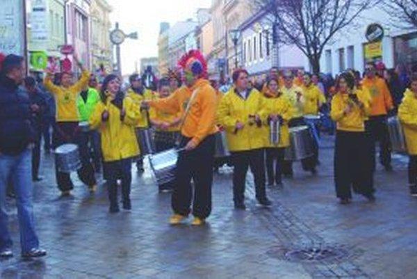 Campana Batucada je súčasťou fašiangového sprievodu v Nitre už vyše 10 rokov.