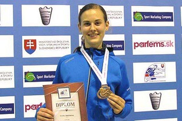 Veronika Zrastáková má bronz v behu na 1500 metrov.