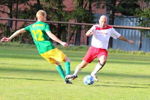 Rastislav Petrek (vpravo) naďalej konkuruje kondíciou mladým hráčom.