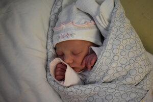 Lucia Miklovičová (2690 g, 47 cm) sa narodila 8. februára Liliane a Martinovi z Nového Mesta nad Váhom.