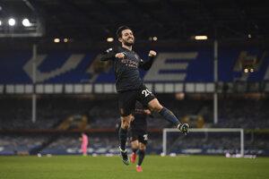 Bernardo Silva sa teší z gólu do siete Evertonu.