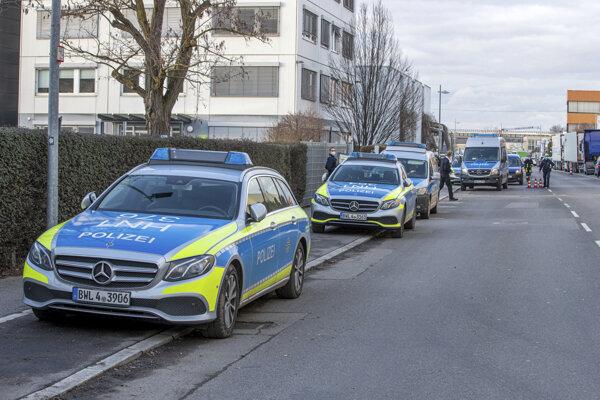 Zásah nemeckej polície po náleze podozrivého balíka v Neckarsulme.
