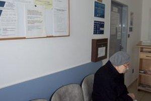 Pacienti, ktorí nechcú u lekára čakať, sa môžu za poplatok objednať na konkrétnu hodinu.