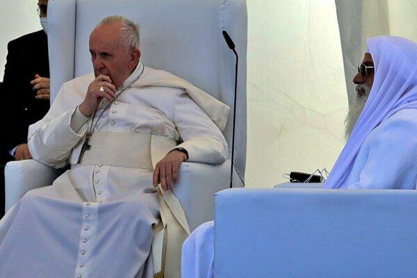 Pápež František sa stretol so šiitským duchovným ajatolláhom Sístáním. Foto:TASR/AP