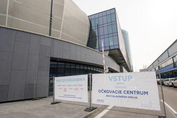 Veľkokapacitné očkovacie centrum Bratislavského kraja v priestoroch Národného futbalového štadióna (NFŠ) pred spustením vakcinácie proti Covid-19.