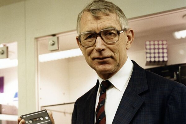 Holanďan Lou Ottens, vynálezca audiokazety.