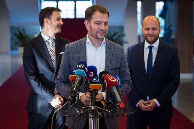 5. marec 2020. Igor Matovič, Jaroslav Naď a Eduard Heger po rokovaní predsedníctva strany Za ľudí v rámci rokovaní o vytvorení vládnej koalície.