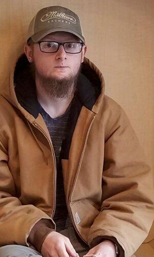 Podozrivým je 21-ročný Robert Aaron Long.