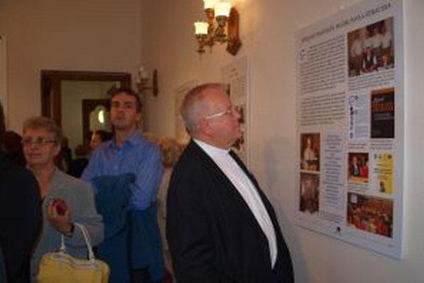 Výstava Pavol Strauss - človek pre nikoho - človek pre všetkých v synagóge potrvá do konca októbra.