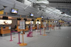 Košické letisko v čase pandémie zíva prázdnotou.