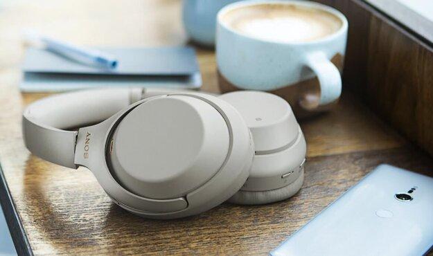 NFC uľahčuje párovanie aj pri bezdrôtových slúchadlách.