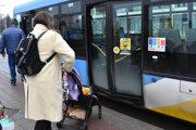 Mestská hromadná doprava v Košiciach bude od pondelka jazdiť v novom režime.