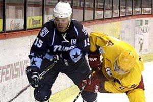 Jozef Stümpel vo štvrtok obliekol dres Nitry po prvý raz od marcového semifinále s Košicami. Znovu je kapitánom mužstva.