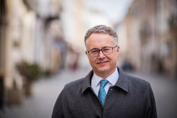 Britský veľvyslanec v Bratislave Nigel Baker.
