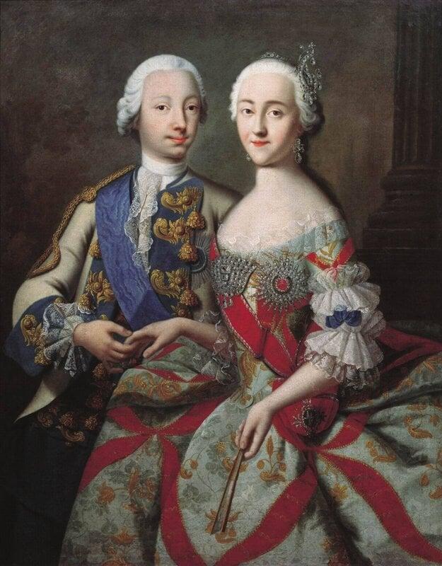 Portrét cároviča Petra (budúceho Petra III.) a mladej Kataríny - hoci tento pár vyzeral na obraze nemeckého portrétistu Goerga Christopha Grootha idilicky, realita bola presne opačná.